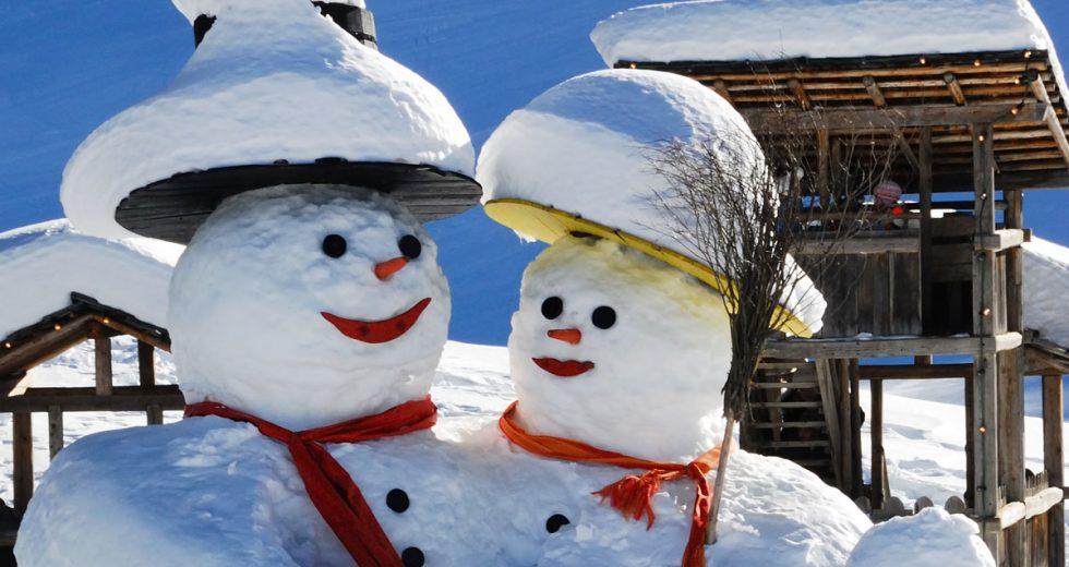 Winterfreuden für Groß und Klein: Schneeballen, Skifahren, Rodeln….