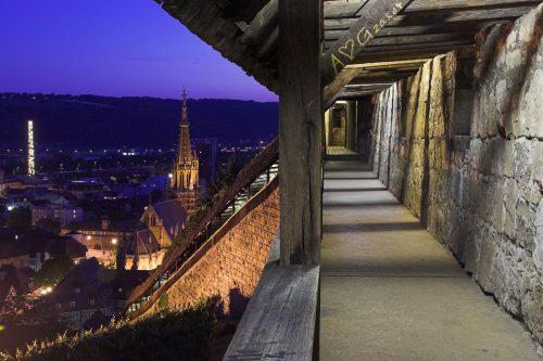 Esslinger Stadtbefestigung bei Nacht