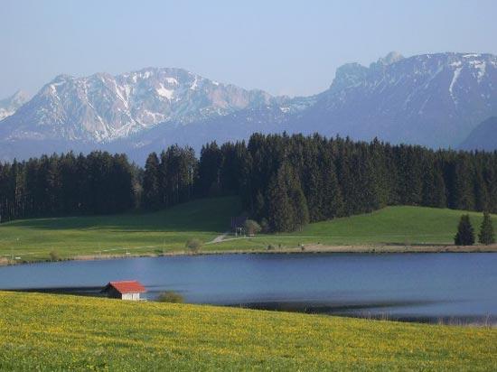 Blick auf den Attlesee vom Hof Alpenseeblick