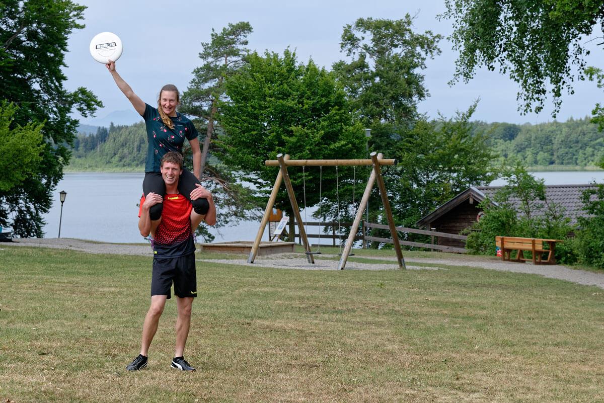 Frisbee-Spielen am Hartsee