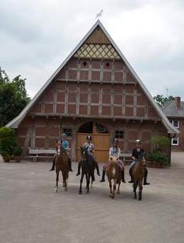 Das über 220 Jahre alte Bauernhaus wurde detailgetreu restauriert