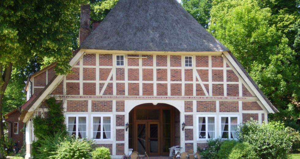 Reitvergnügen und Wandern in herbstlicher Heidelandschaft – Ferienanlage Böttcher Hof in der Lüneburger Heide