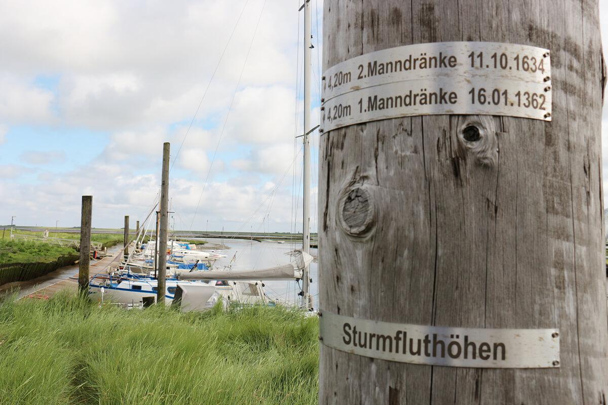 Der Tümlauer Hafen im Tümlauer Koog im Westen der Halbinsel Eiderstedt - © Tourismus-Zentrale St. Peter-Ording