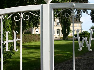 Eingang zum Hof Büdlfarm