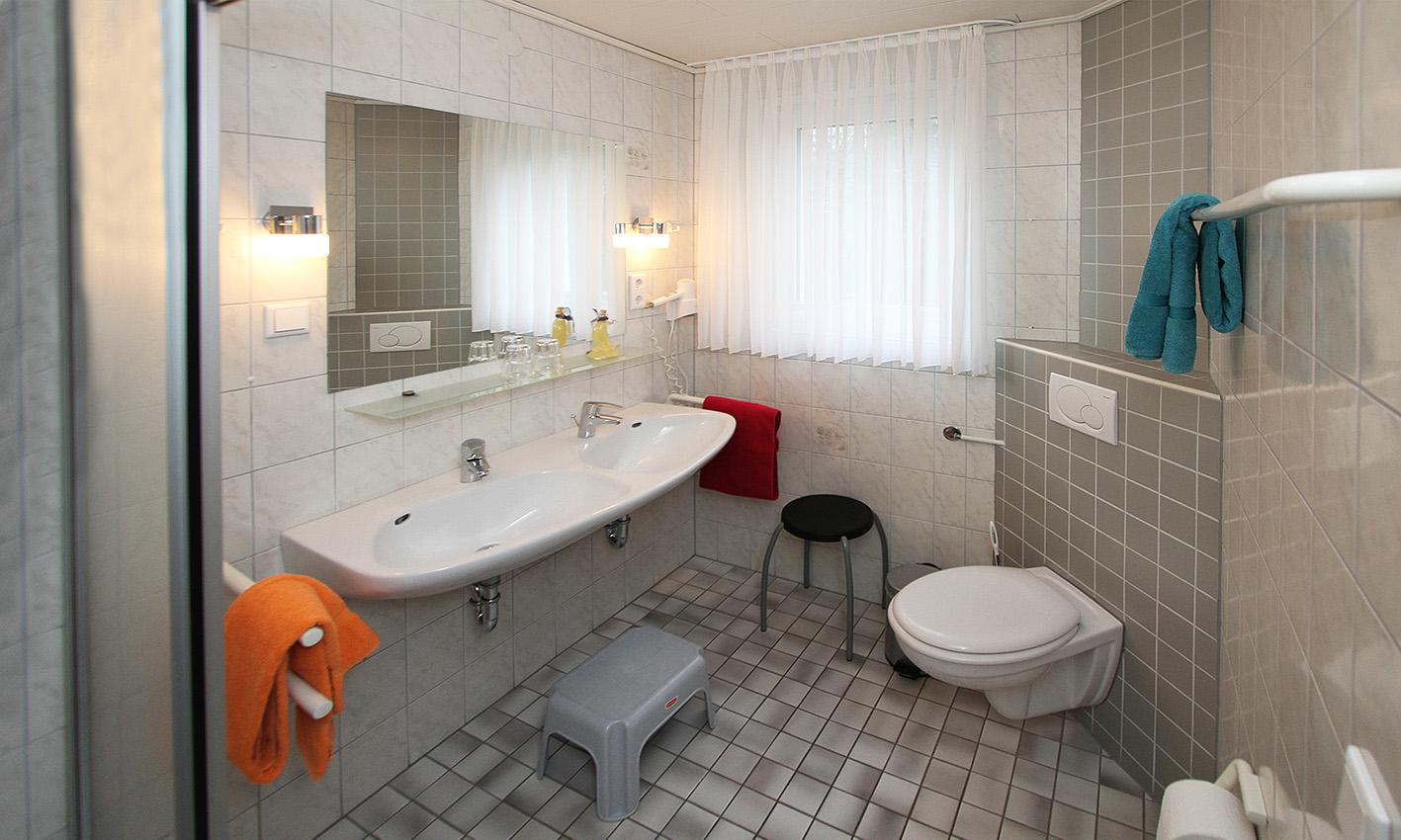 Ferienwohnung Hexenhäuschen - Badezimmer