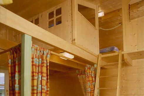 Ferienwohnungen-Impressionen - Galerie mit Matratzenlager