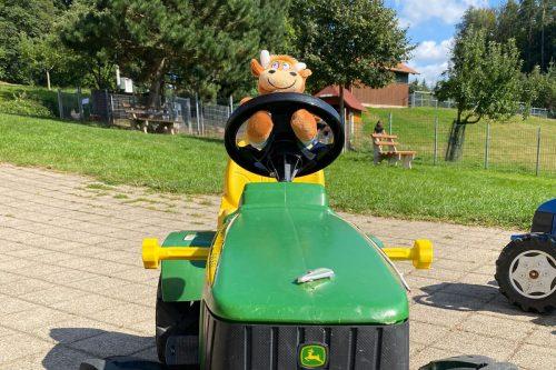 Schlosshof-Traktorfahrt