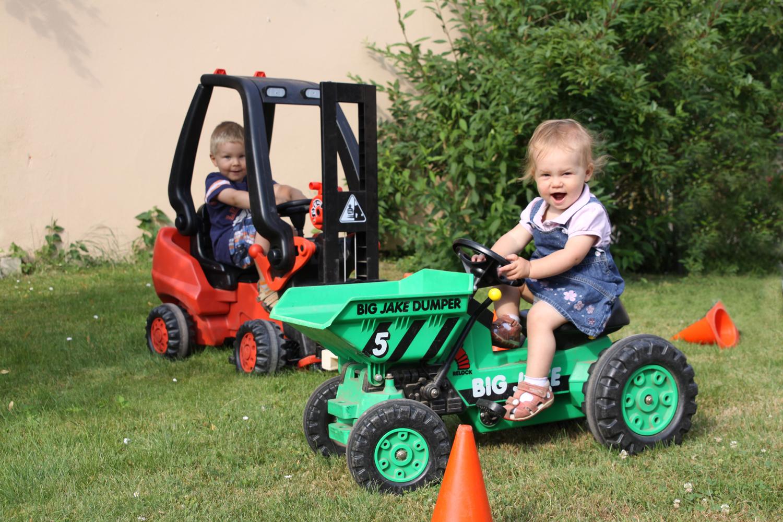 Fuhrpark für Kids im Feriendorf Nehmeier