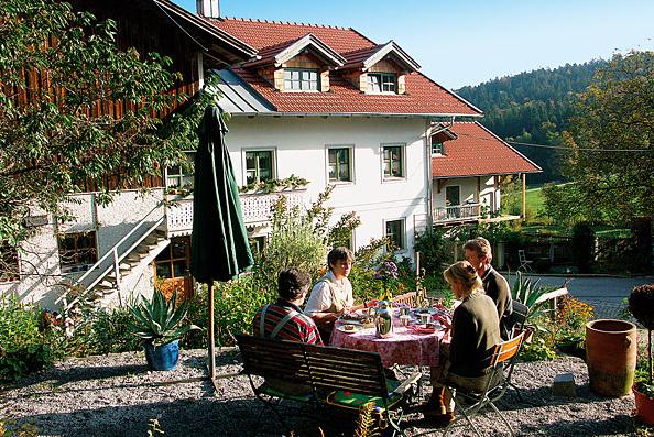 Gemütliches Frühstücken auf dem Ferienhof Anna und Alois Fürst