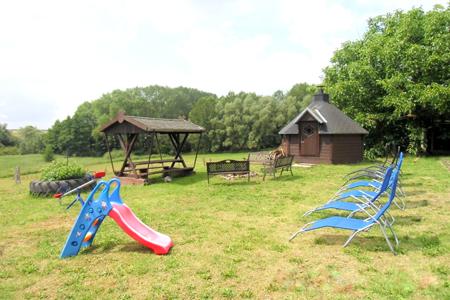 Grillhütte und Lagerfeuerplatz