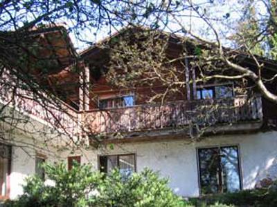 Haus von hinten auf dem Ponyhof Grünberger