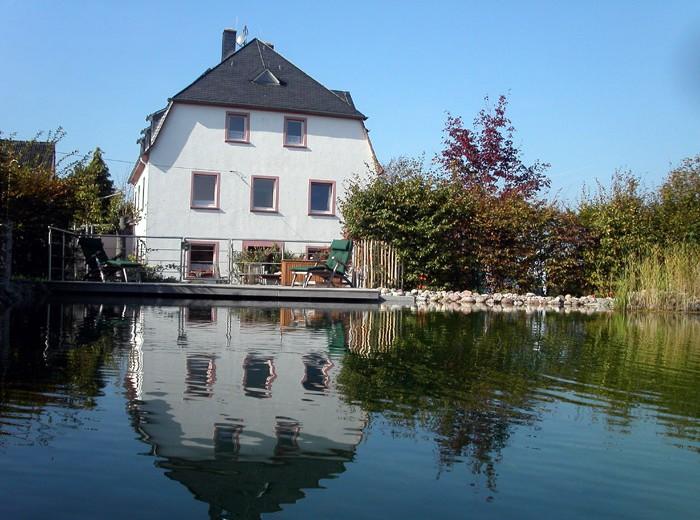 Sagenhafter Bauernhofurlaub über dem Rheintal