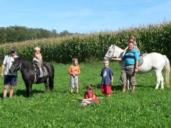 Herbstliches Ponyreiten auf dem Ferienhof Kilger