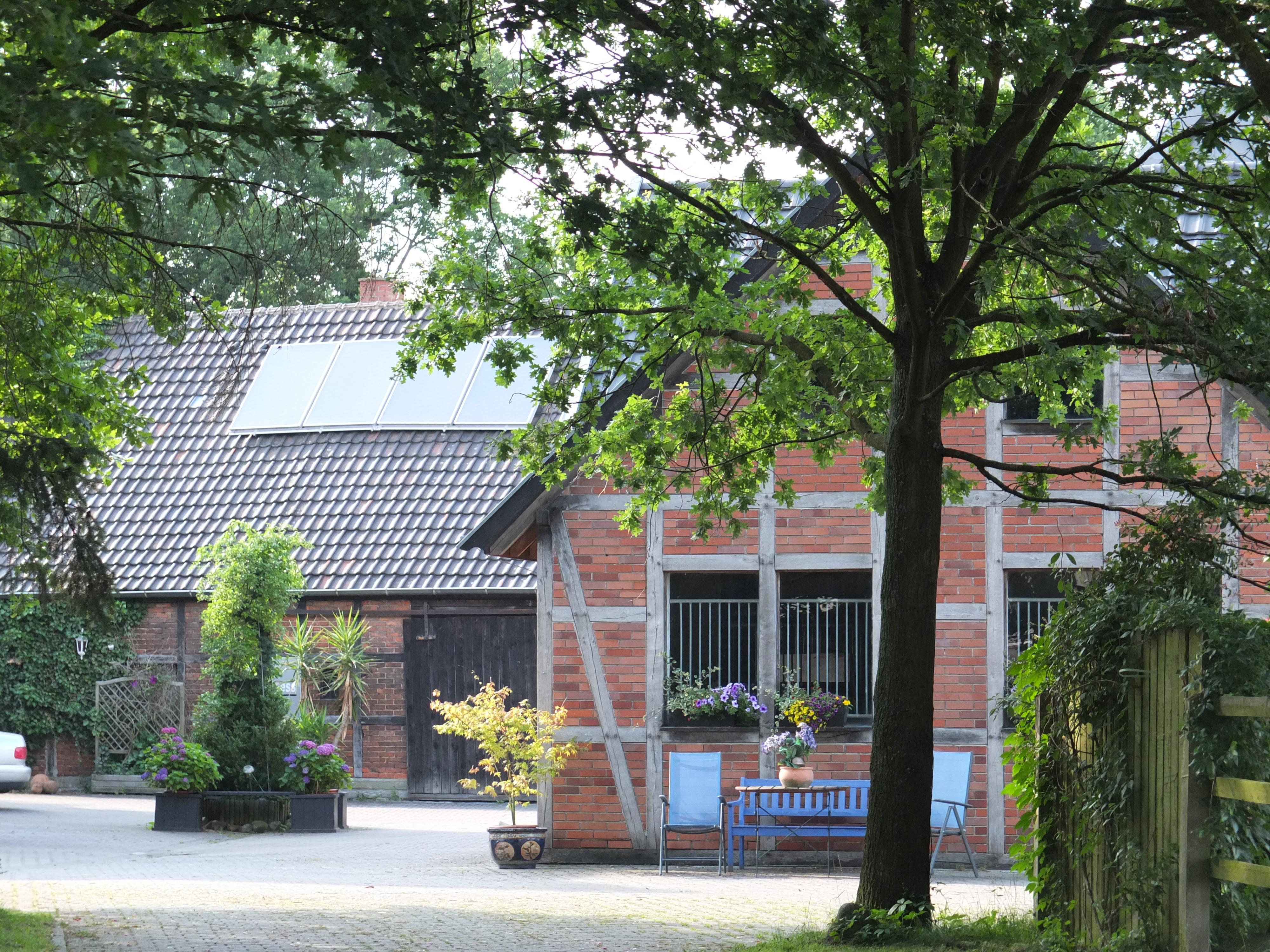 Im Hof von Vita-Farm Bergmann-Scholvien