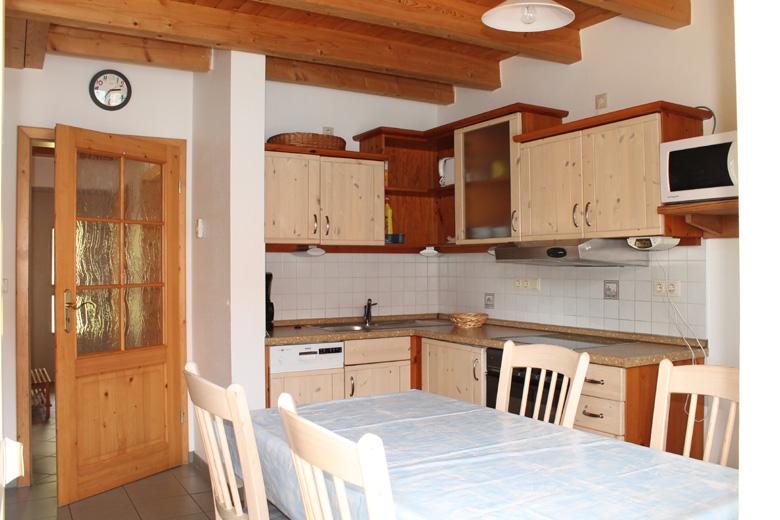 Küche vom Ferienhaus1 im Feriendorf Nehmeier