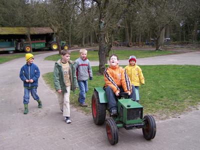 Kinder sind herzliche willkommen auf dem Ennenhof