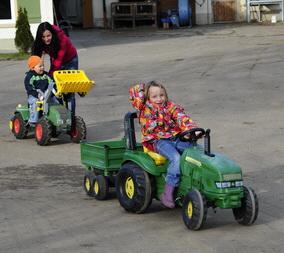 Kindertraktoren auf Alfred´s Ferienbauernhof