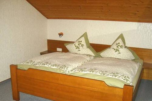 Liebevoll eingerichtetes Schlafzimmer