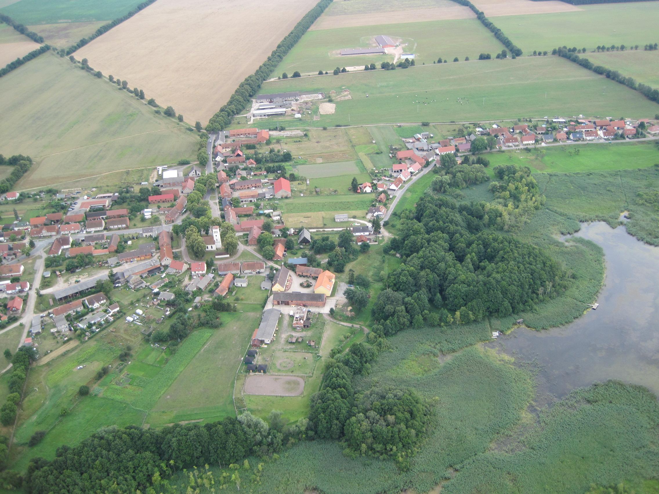 Luftbildaufnahme vom Reiter - & Erlebnisbauernhof Berlinchen