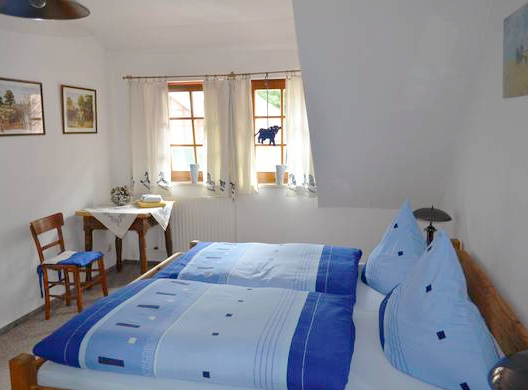 Modernes Doppelzimmer in Remise 1