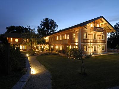 Moierhof bei Nacht