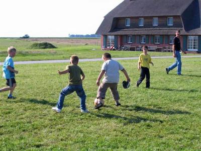 Platz zum Toben und Fußballspielen