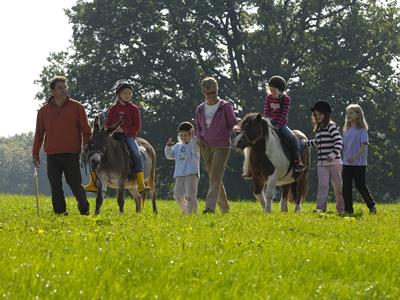 Ponyreiten auf dem Moierhof