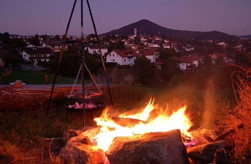 Lagerfeuer auf dem Ferienbauernhof Rosenberger