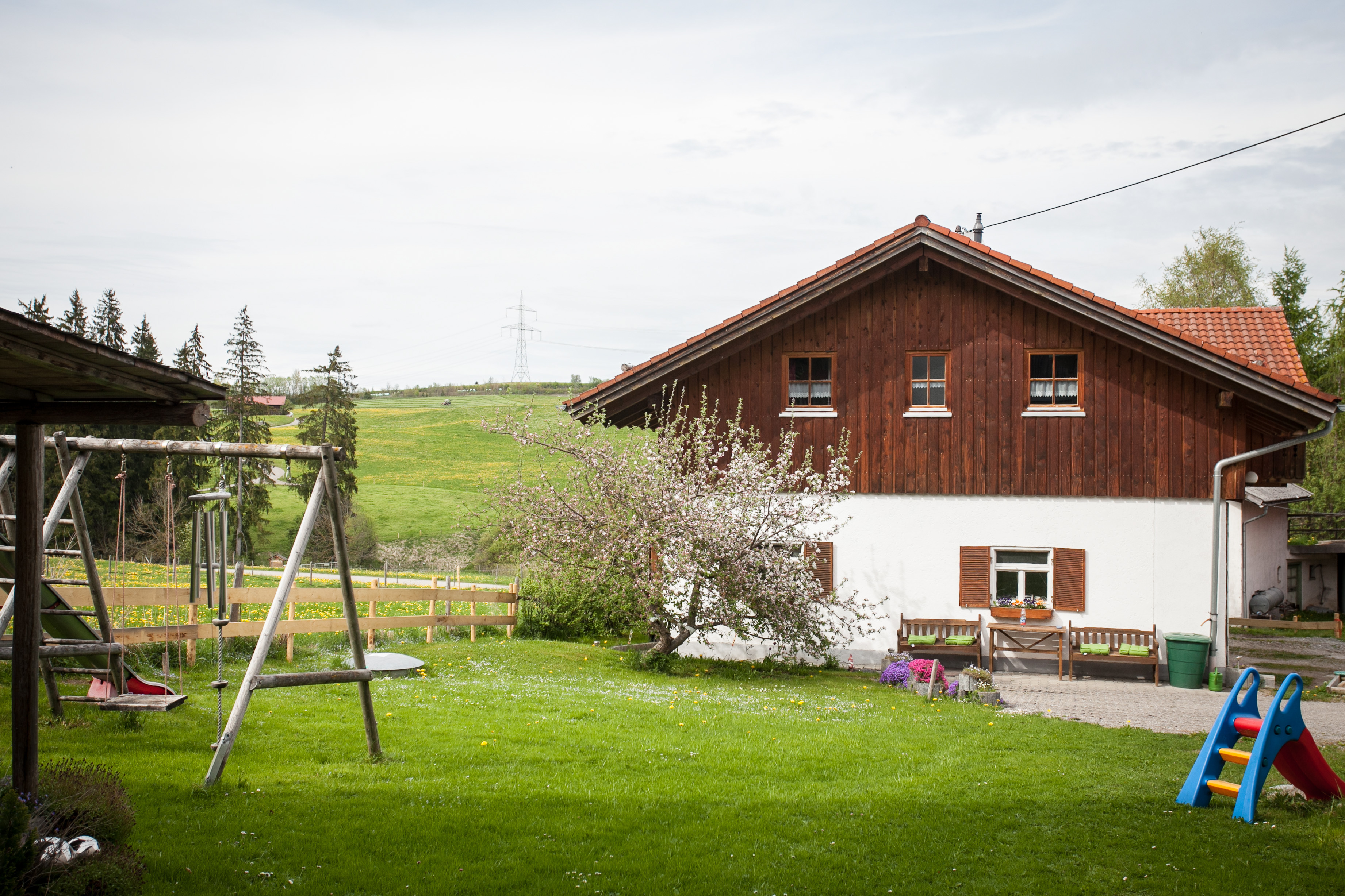 Ruhige Plätzchen für die Eltern und genügend Platz für die Kinder auf dem Bauernhof Ferienwohnungen Schmölz