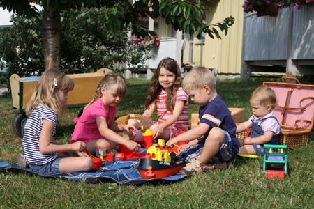 Spielen auf dem Hof