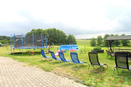 Spielplatz mit Blick in die Natur
