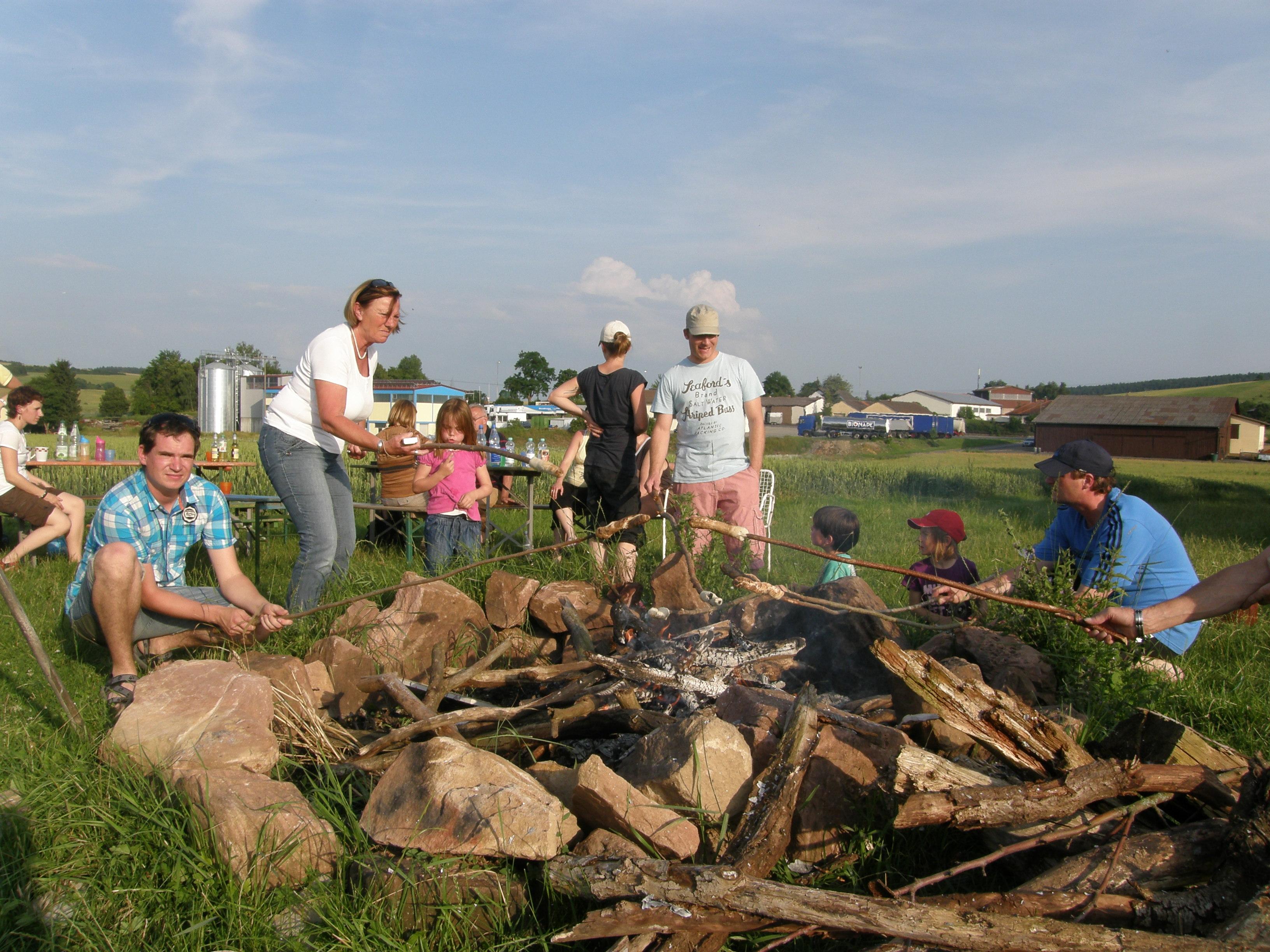 Stockbrot auf dem Lagerfeuer von Schmidt´s Ferienhof
