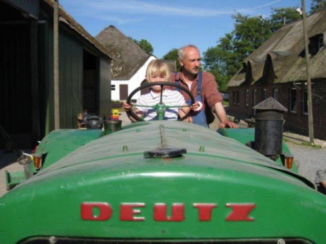 Traktorfahrt auf dem Liethshof