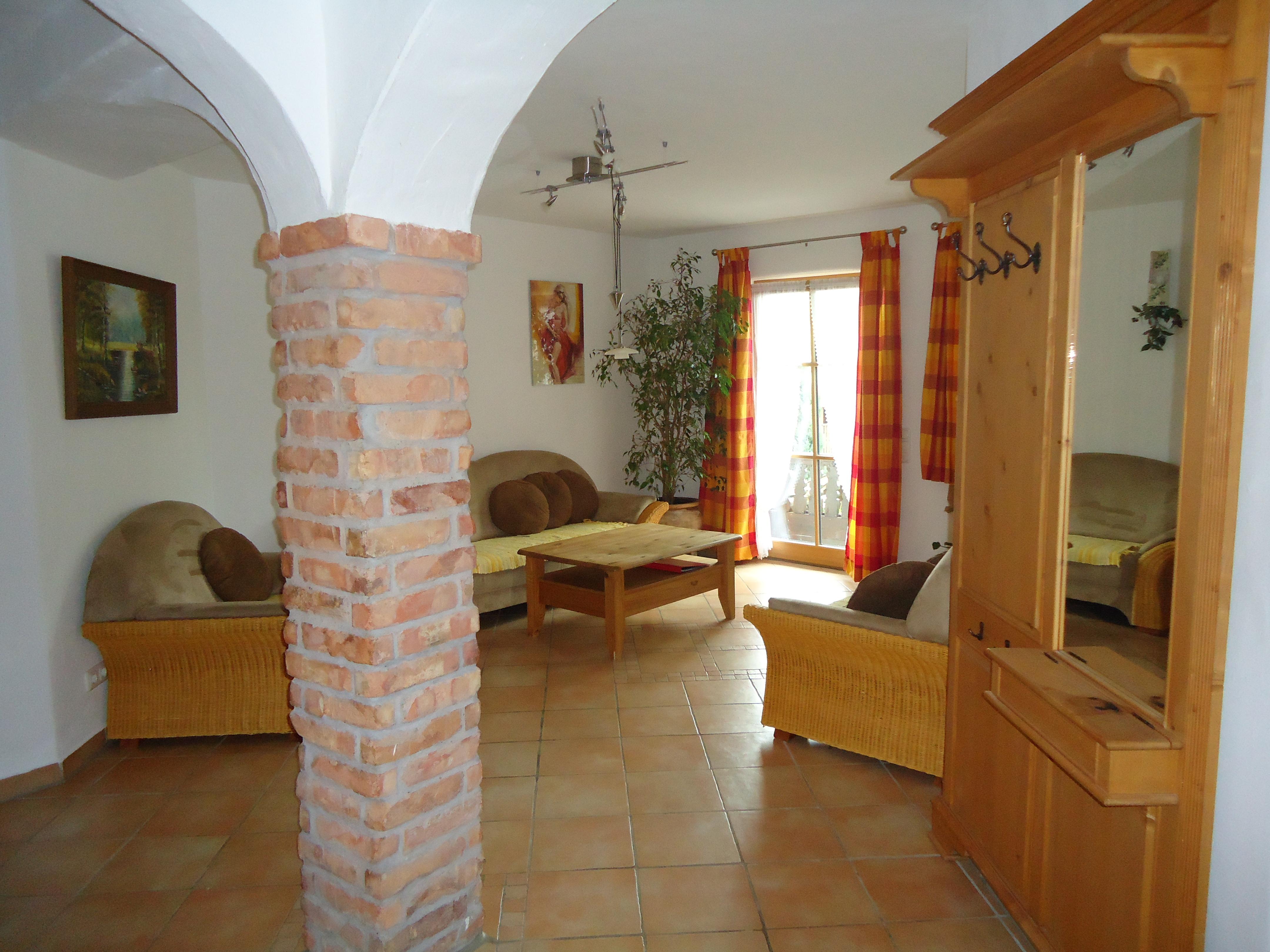 Wohnzimmer der Wohnung 7 auf dem Wolfeicherhof