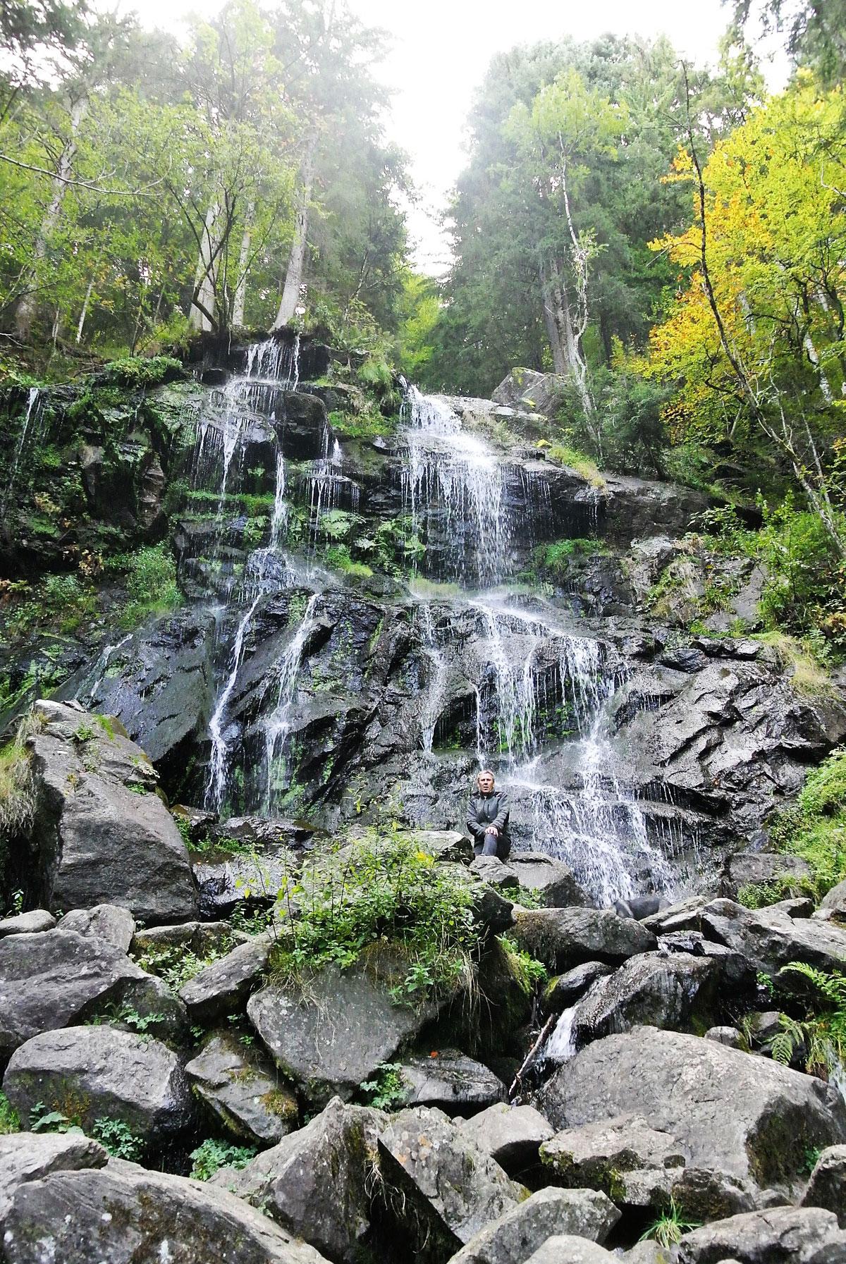 Die imposanten Zweribach-Wasserfälle - © Susanne Bayer/Schwarzwald Tourismus