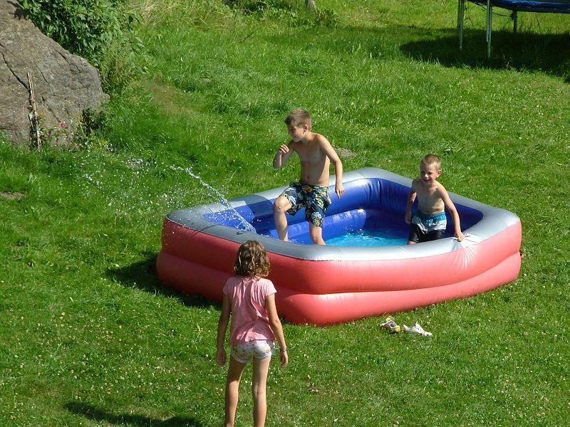 Baden im Pool