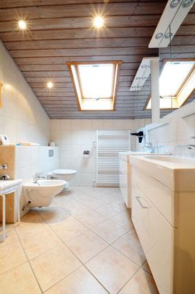 Hofbauer - Badezimmer mit Bidet