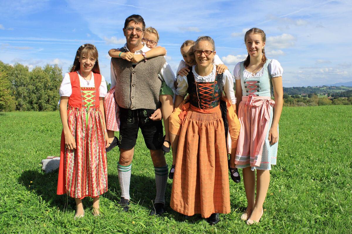 Die Gastgeberfamilie Rudolf freut sich auf ihre Gäste