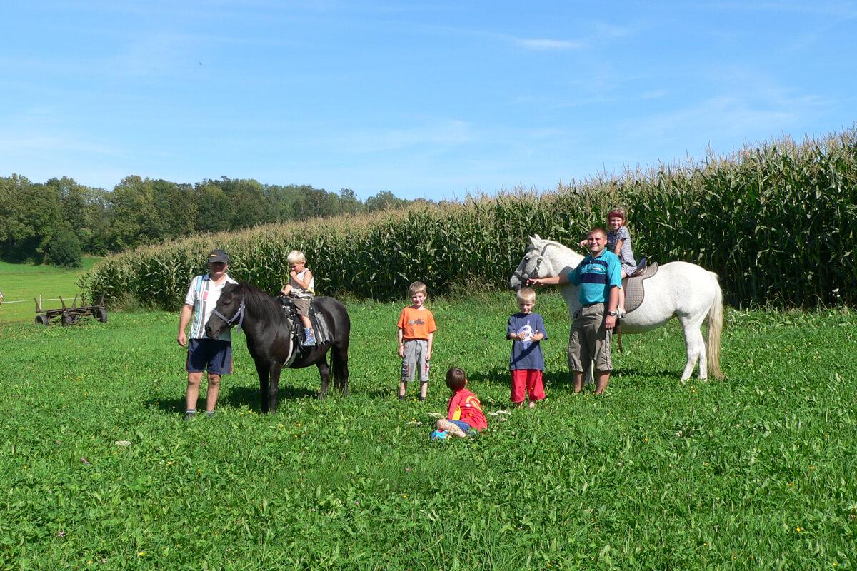 Unvergessliches Ponyreiten auf dem Ferienbauernhof Kilger