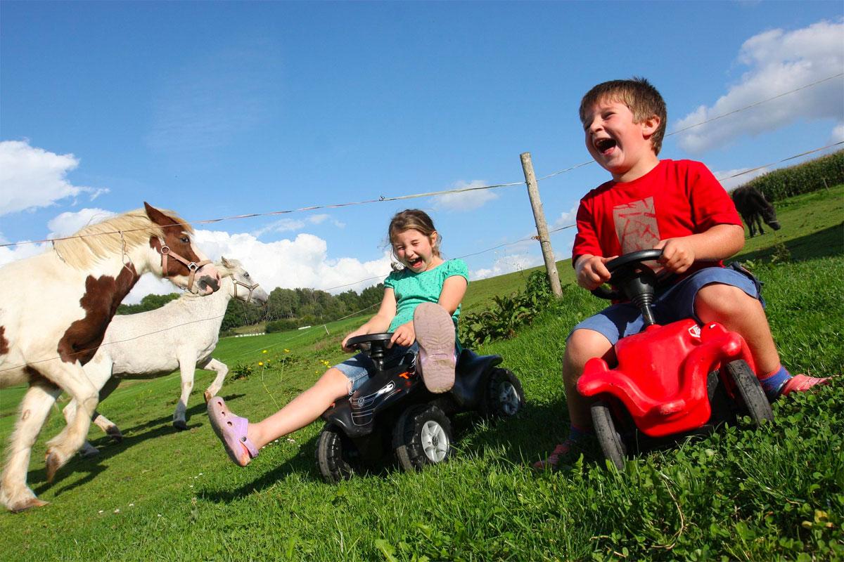 Kinderspaß auf dem Ferienbauernhof Kilger