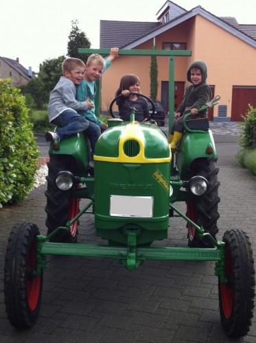 Lustige Traktorfahrt auf dem Ferienhof Sprünker