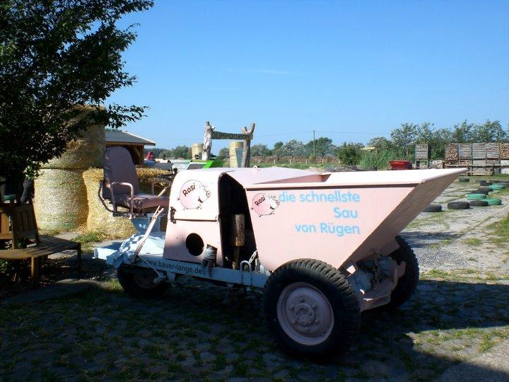 Rosa Landmaschine