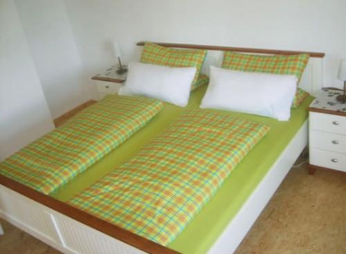 Schlafzimmer der Ferienwohnungen