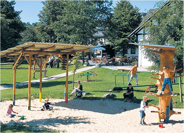 Riesiger Sandspielplatz beim Landhaus Schulte-Goebel