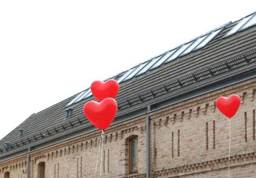 Storchenhof mit Herz
